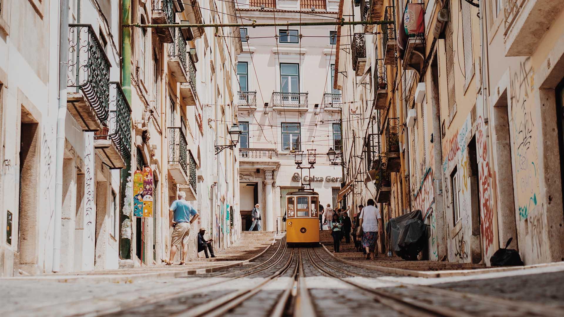 Getting lost in Lisbon